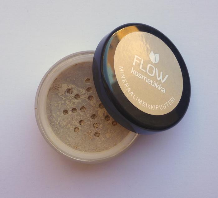 flow-mineralfoundation-vanilla