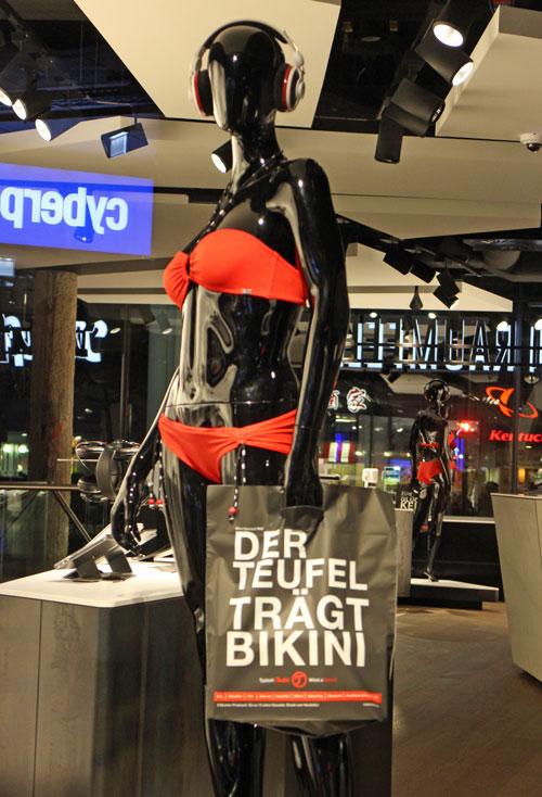 Der Teufel traegt Bikini