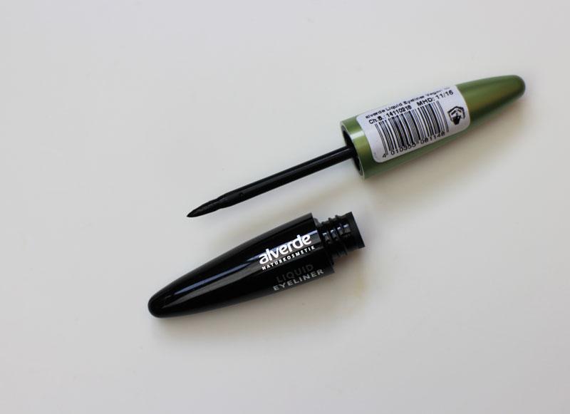 alverde-liquid-eyeliner-black