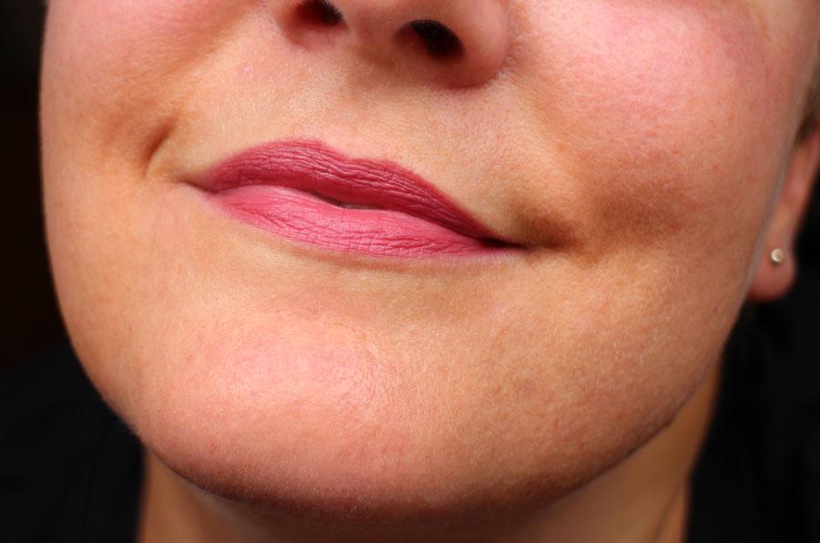 swatch-absolution-lipstick-11-bois-de-rose