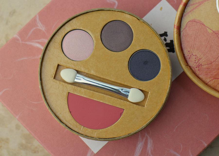 couleur-caramel-makeup-kit-daisy-24