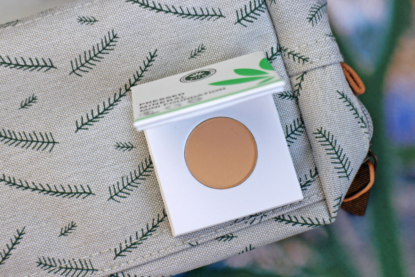 PHB Pressed Foundation