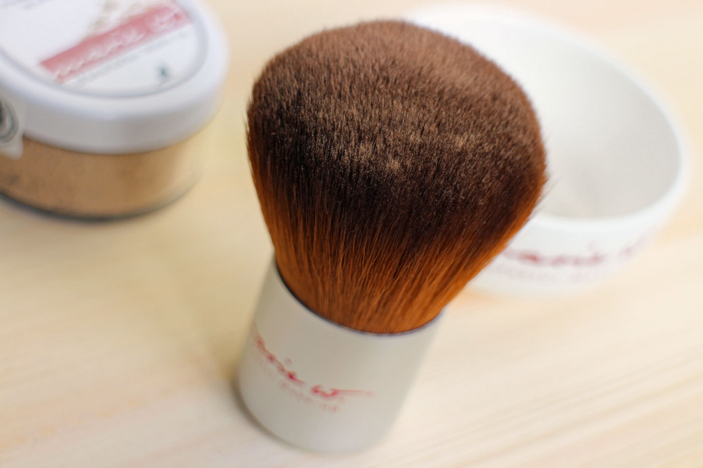 marie w. Mineral Makeup